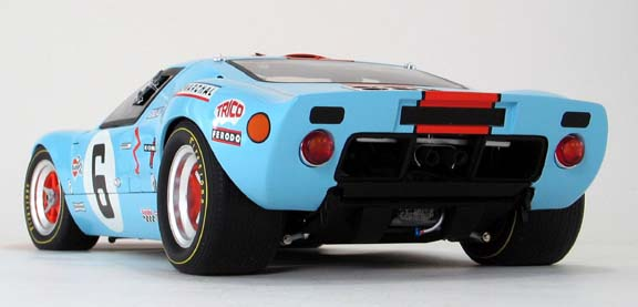 Ford GT40 gmp 1/12 scale diecast back view